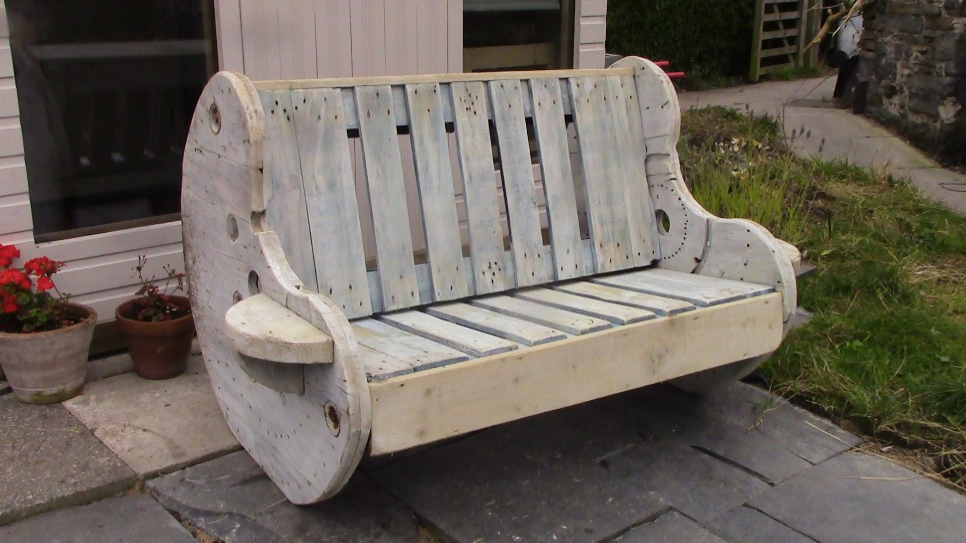outdoor-bench-projects-10